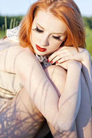 File:Beautiful,ginger,girl,red,hair,redhead,woman-ee5f07b2dbe8feb45acab56e1e39c754 h.jpg