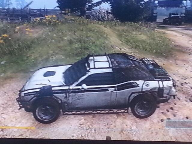 File:Bright White Dodge Challenger RT.jpg