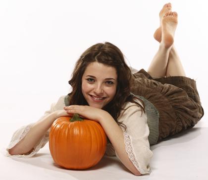 File:Paula and the pumpkin.png