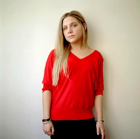 File:Lauren collins red shirt.jpg