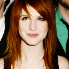 File:Wiki Friend Icons - Kelly as Hayley.png
