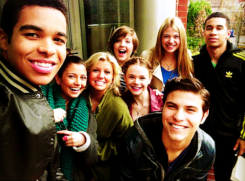 File:Degrassi cast photo spam - 11.png
