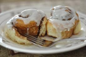 File:Two cinnamon buns.png