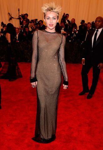 File:Miley-cyrus-met-ball-2013.jpg