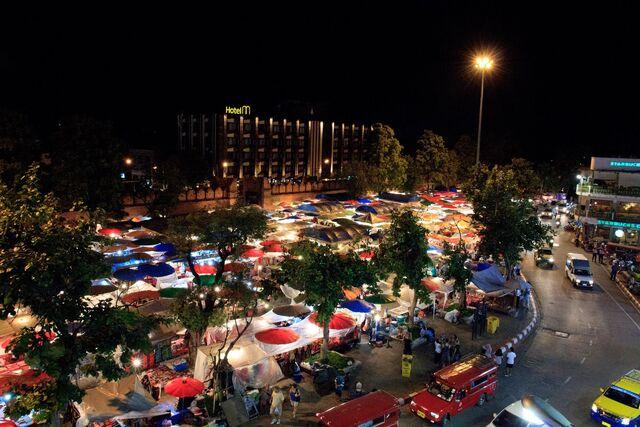 File:Chiang-mai-market.jpg