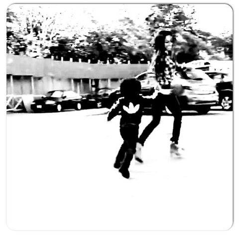 File:Me vanessa running.jpg