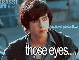 File:Those eyes.jpg