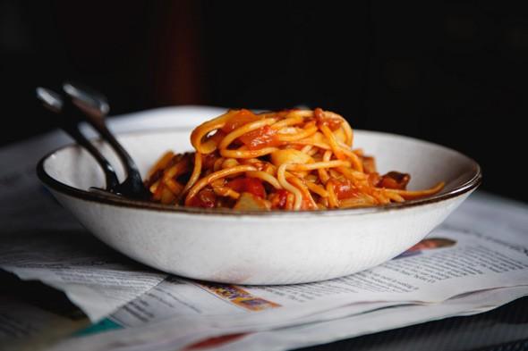 File:Vegetarian-spaghetti-bolognese-590.jpg