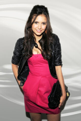File:Nina-Dobrev-Pink-Dress 640x960 5265.jpg