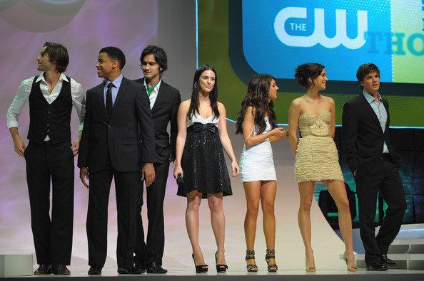 File:Jessica+Stroup+Shenae+Grimes+CW+Network+2009+M7IBW0xHPohl.jpg