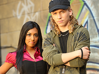 File:Alli-johnny-degrassi-alli-and-johnny-20498539-320-240.jpg