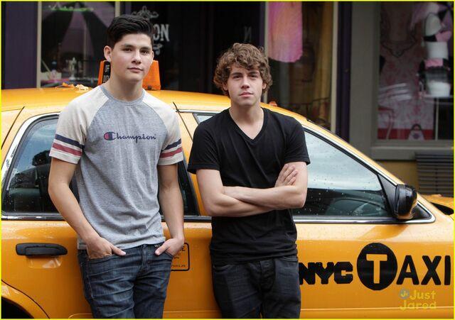 File:Eli&ZigNYC.jpg