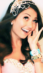 File:Cristine Prosperi queen photo set - 6.jpg