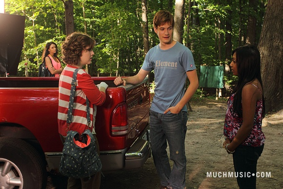 File:Clare & Alli Talking By Jake's Truck With Jake Standing In Between The Girls & Bianca Watching From A Distance With Her Arms Crossed & The Girls Far Apart & Alli Apologizing.jpg
