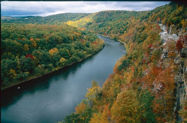 File:Delaware-River-Fall.jpg