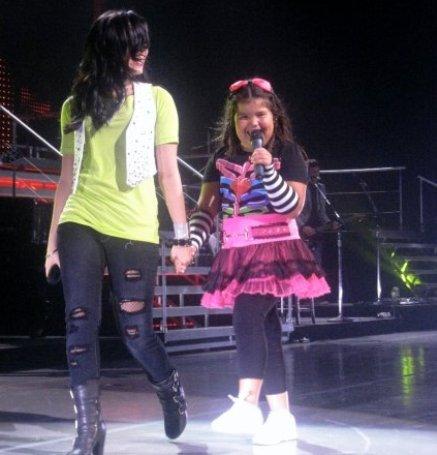 File:Demi & Madison.jpg
