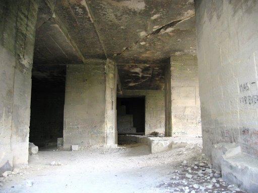 Fichier:Caves4.jpg