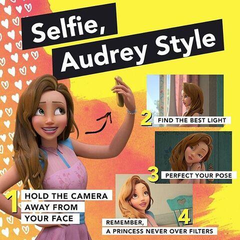 File:Selfie, Audrey Style.jpg