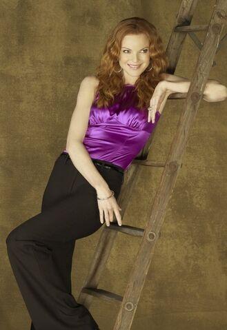 File:Bree Van de Kamp S7.jpg