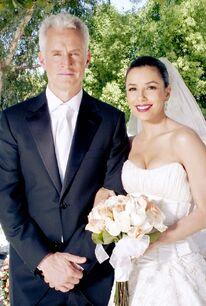 Souvenez-vous-le-mariage-de-Gabrielle-avec-Victor-Lang-John-Slattery portrait w674