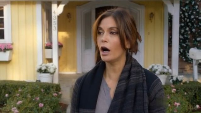 File:8x12 - Susan is shocked.jpg