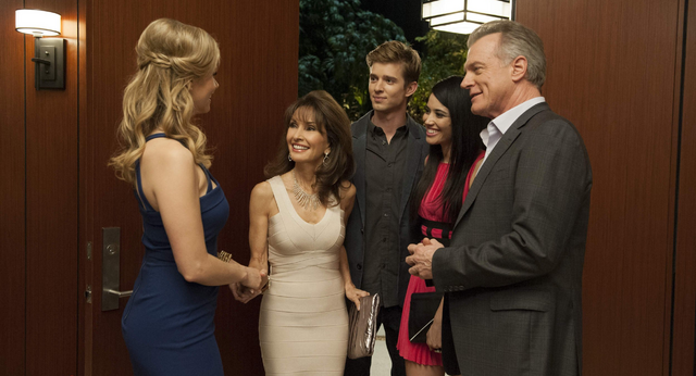File:Devious Maids 1x10.png