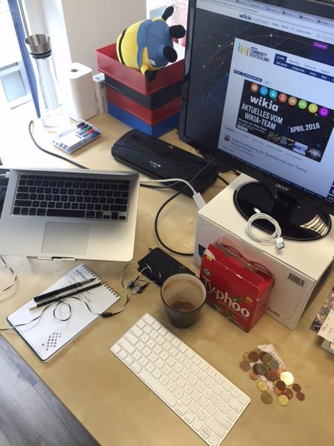 Michael Cookseys Schreibtisch Köln.jpg