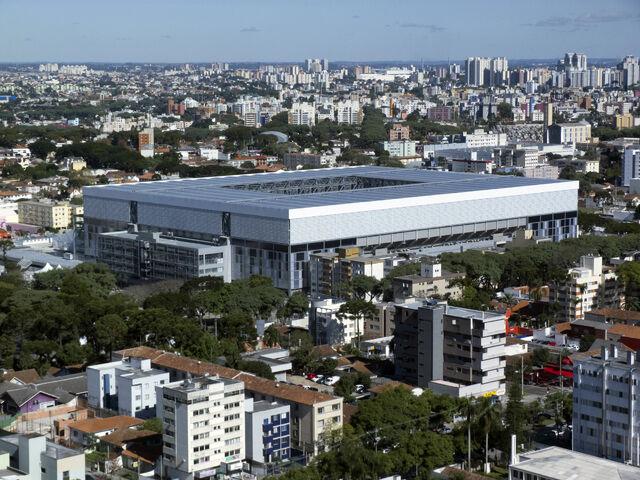Datei:WM 2014 Stadion (4).jpg