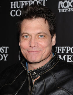DHS- Holt McCallany (The Peacemaker, Vantage Point, Hijacked)