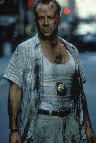 File:Die Hard with a Vengeance - McClane in wall street 2.jpg