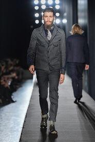 FW13-Milan-Mens-Black-Gold-catwalk-04