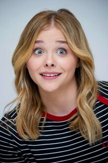 Chloe-Moretz--Carrie-Press-Conference--04