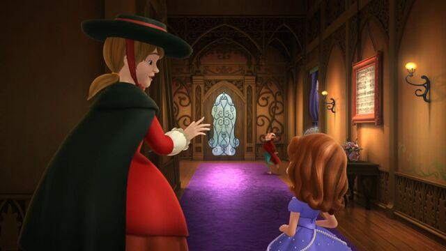 File:Minding the Manor entrance inside.jpg