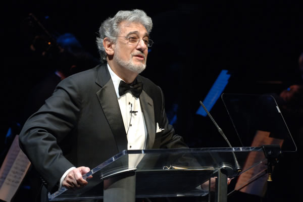 File:Plácido Domingo, 2008.jpg