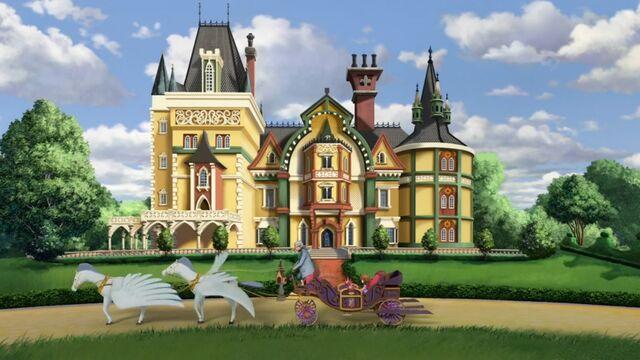 File:Minding the Manor Sofia arrives.jpg