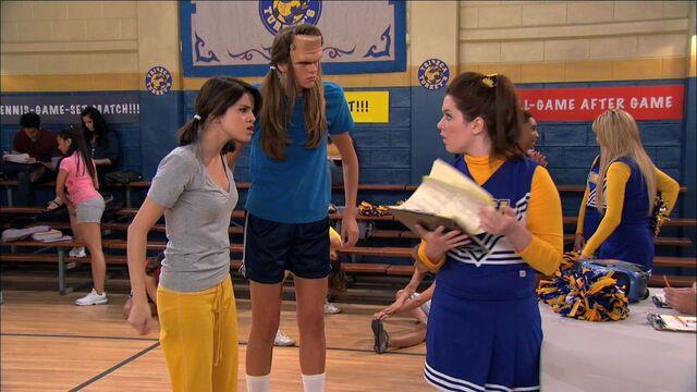 File:Wizards of Waverly Place - 3x01 - Franken Girl - Alex, Franken Girl and Harper.jpg