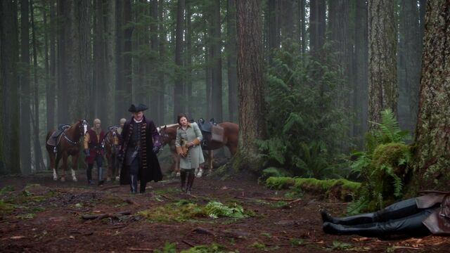 File:Once Upon a Time - 5x17 - Her Handsome Hero - Belle and Maurice 2.jpg
