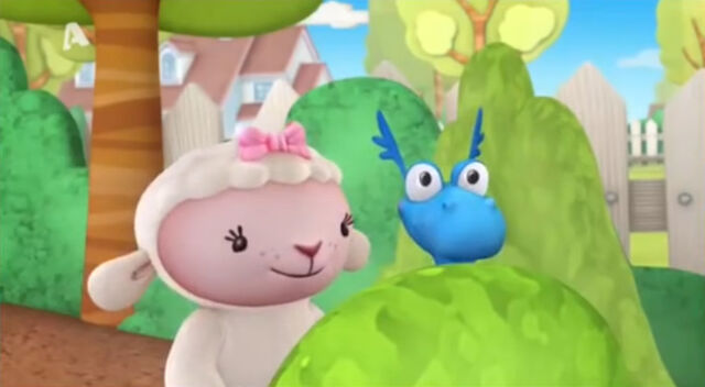 File:Lambie and stuffy behind the bushes.jpg