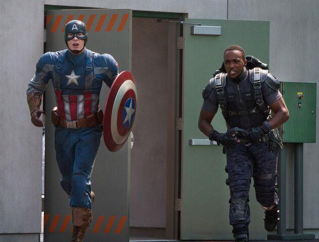 File:Captain and Falcon TWS.jpg