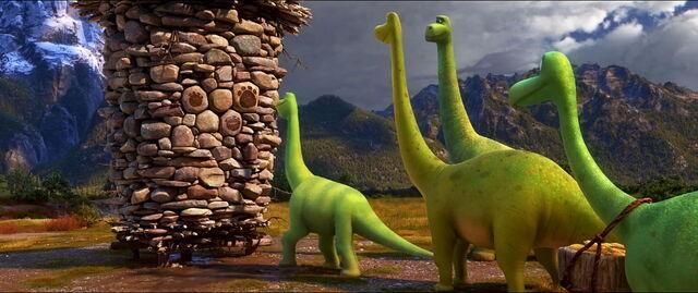 File:Good-dinosaur-disneyscreencaps com-1093.jpg