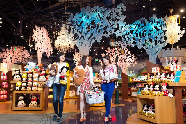 File:Disney Store Shanghai 07.jpg