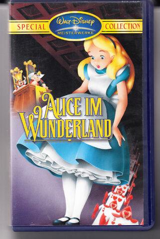 File:Alice de vhs 2000s.JPG