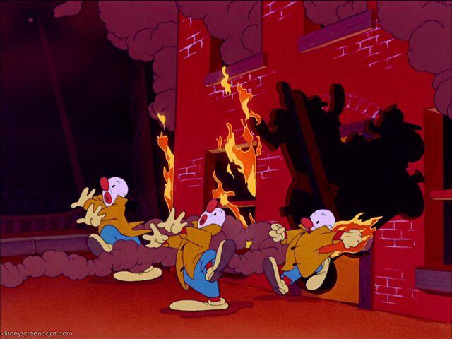 File:Dumbo-disneyscreencaps com-6909.jpg