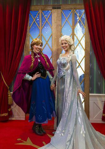 File:Elsa Anna Disney Parks 45.jpg