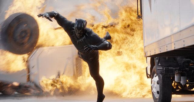 File:Captain America Civil War 199.jpg
