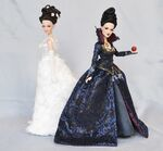OUAT Snow White and The Evil Queen Dolls