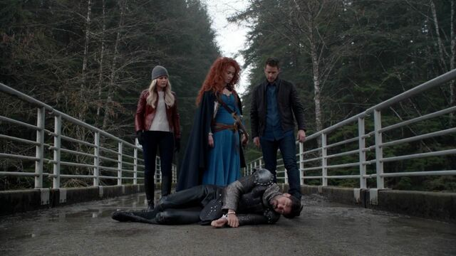 File:Once Upon a Time - 5x21 - Last Rites - Emma Merida David and Dead Arthur.jpg