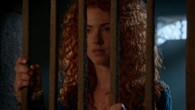 File:Once Upon a Time - 5x04 - The Broken Kingdom - Imprisoned.jpg