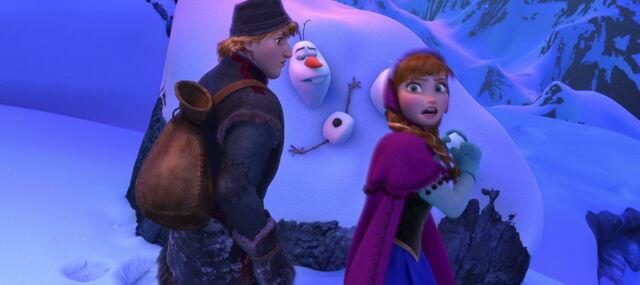 File:Frozen-snowball.jpg