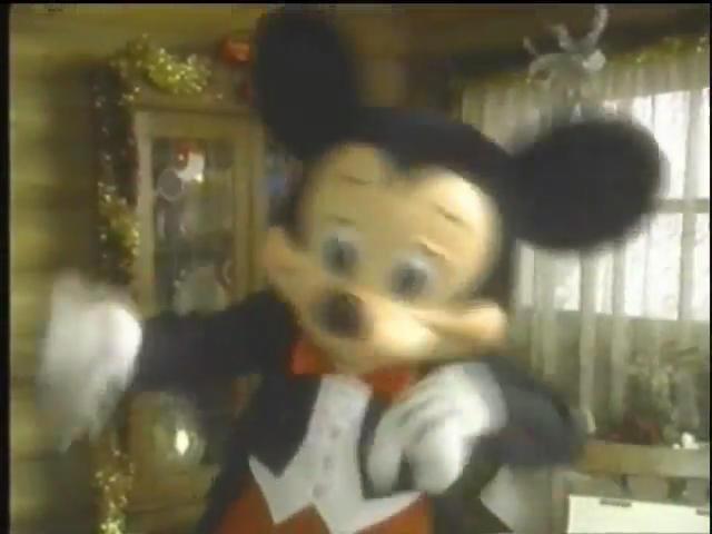File:MickeyMouseinTheTwelveDaysofChristmas.jpg